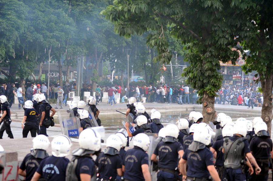 В Турции задержаны иностранцы за подрывную деятельность
