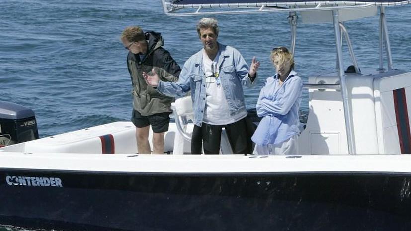 Революция в Египте не помешала госсекретарю США отдыхать на яхте