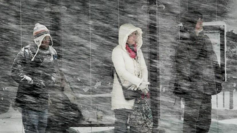 На севере США десятки тысяч американцев неделю остаются без света из-за снежного шторма
