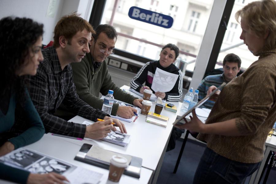 Немецкие законодатели предлагают заставить мигрантов отказаться от их родного языка