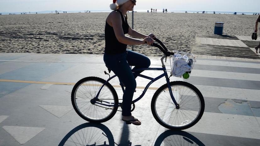 Медики предупреждают: ездить на велосипеде в городе опасно для здоровья