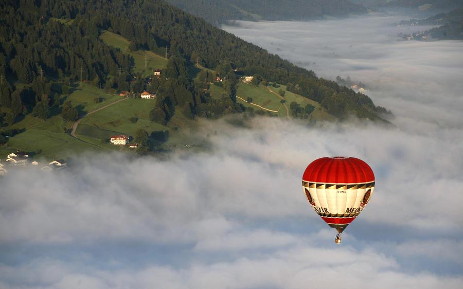 Пять женщин с пропавшего воздушного шара найдены живыми