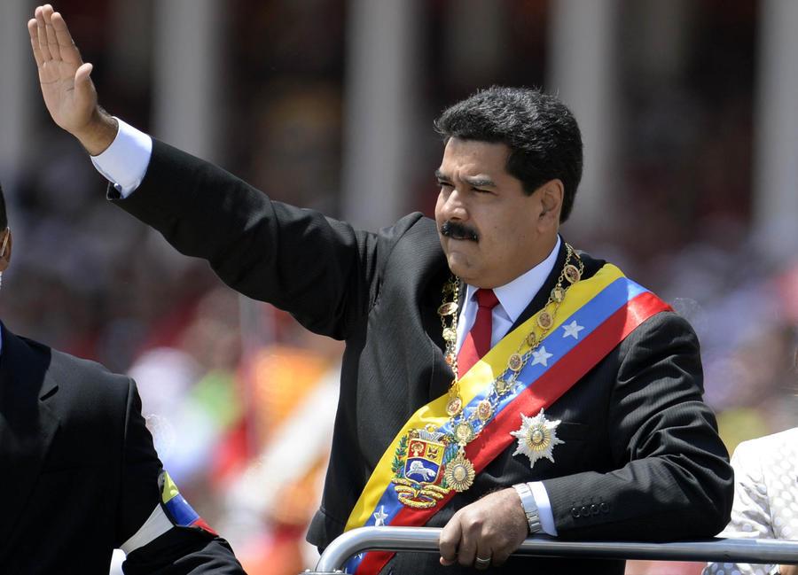 Президент Венесуэлы считает Януковича жертвой переворота, за которым стоят США