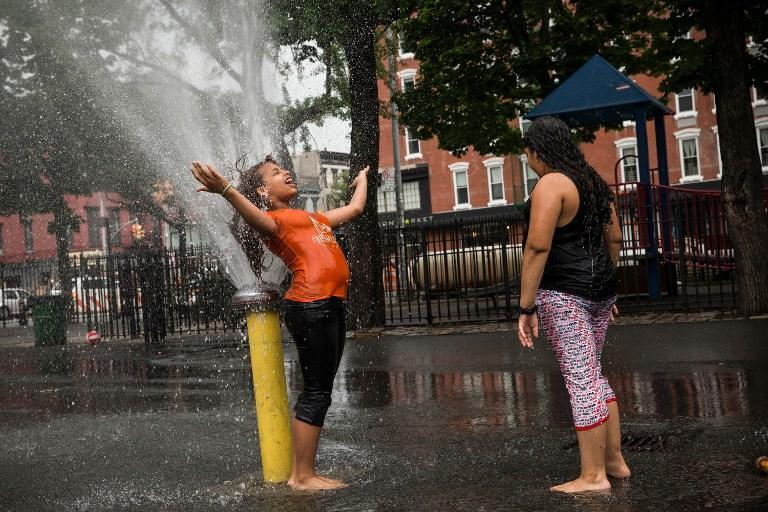 Один человек умер, десятки находятся в больницах из-за небывалой жары в США