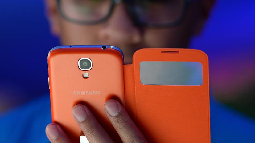 Samsung анонсировал новый смартфон с гибким дисплеем