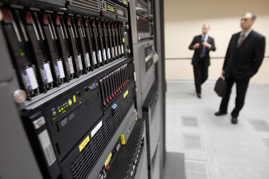 Сайты госорганов припишут к российским серверам