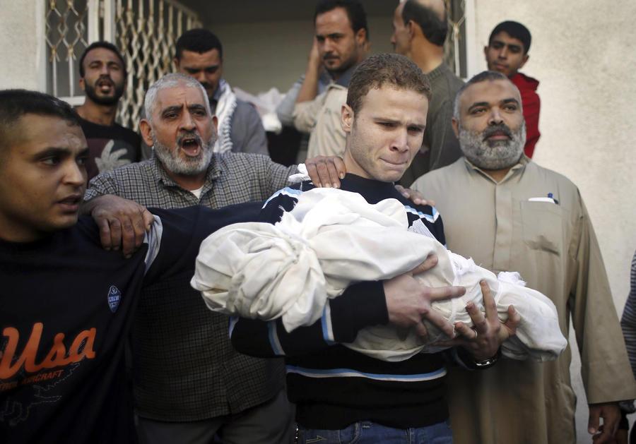 Associated Press изменило описание к фотографии, поразившей весь мир