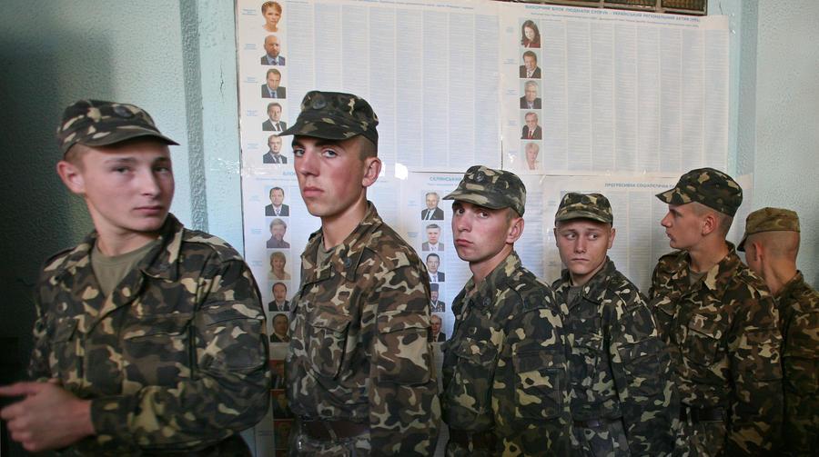 Глава Комитета солдатских матерей Крыма: Над крымчанами издеваются в украинской армии