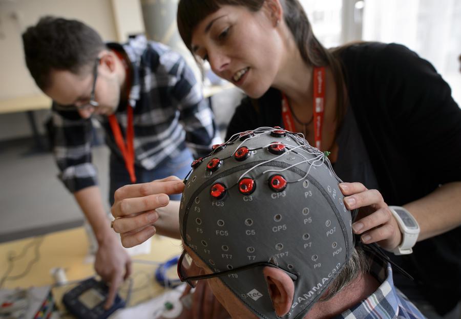Учёные: Cоциальные сети прямо влияют на работу мозга