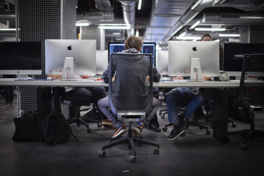 Bloomberg: Жертвы хакеров нанимают других хакеров, чтобы справиться с киберугрозой