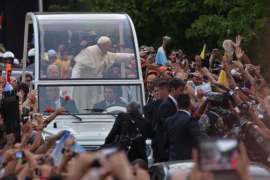 Накануне визита Папы Римского в бразильском храме нашли бомбу