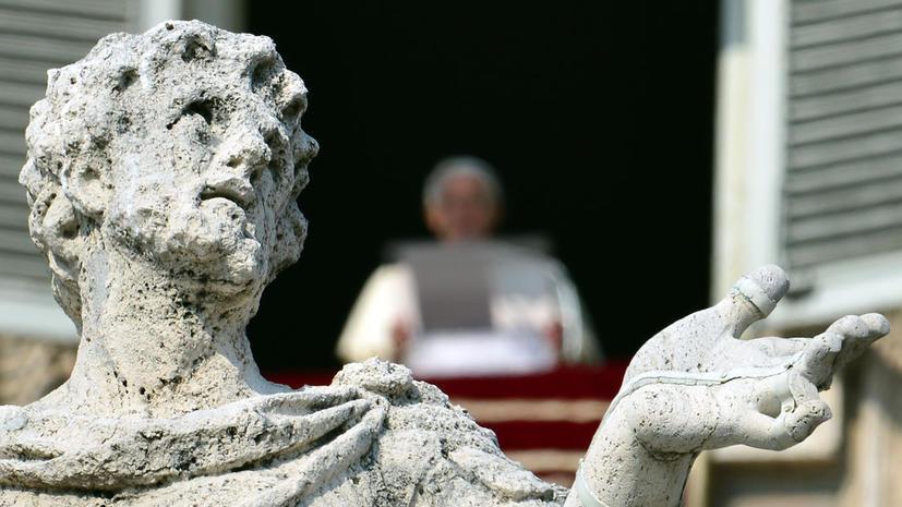 Китай ставит условия еще не избранному папе римскому
