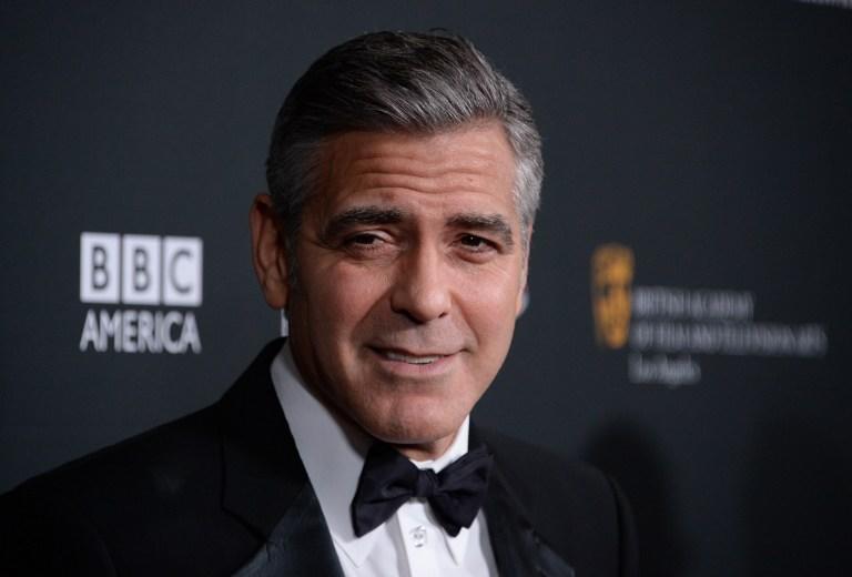 Актёр Джордж Клуни предложил поклонникам провести с ним вечер за $10