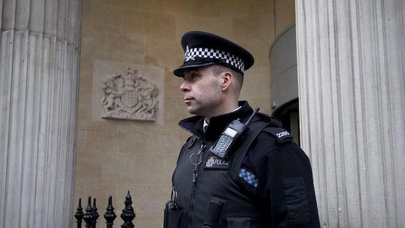 Британских полицейских отстранили от службы за неоказание помощи
