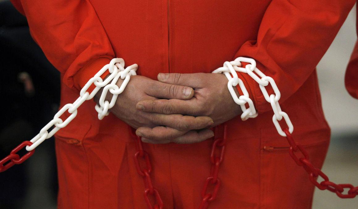 В американской тюрьме подрались 400 заключенных, наводить порядок приехал спецназ