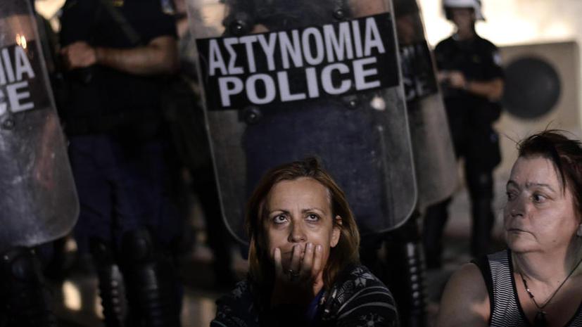 Греческий кризис гонит полицейских в петлю