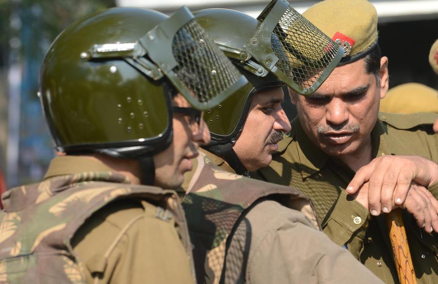 Трое россиян арестованы в Индии за создание филиала МММ