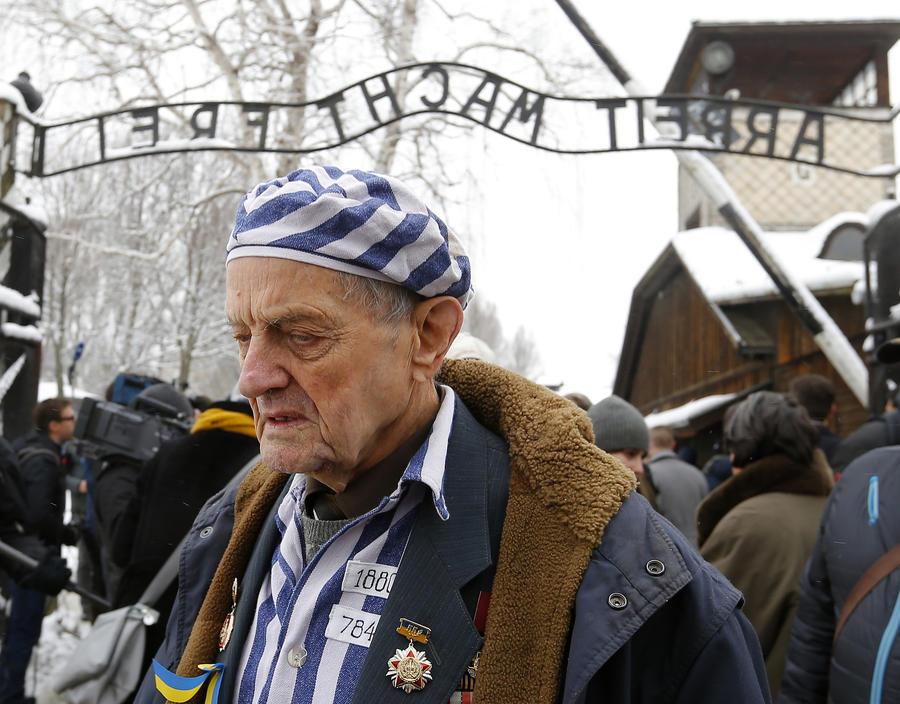 Фотогалерея памятных мероприятий, посвящённых 70-летию освобождения Освенцима