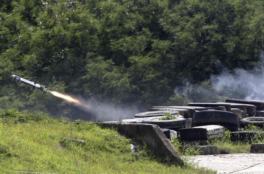 Украинский политолог: Оружие из США на Украине окажется в руках ополченцев или будет распродано