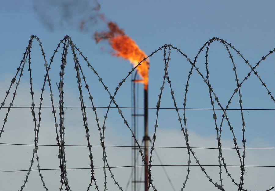 Эксперт: Отмена поставок газа в ДНР и ЛНР — месть Киева за военное поражение