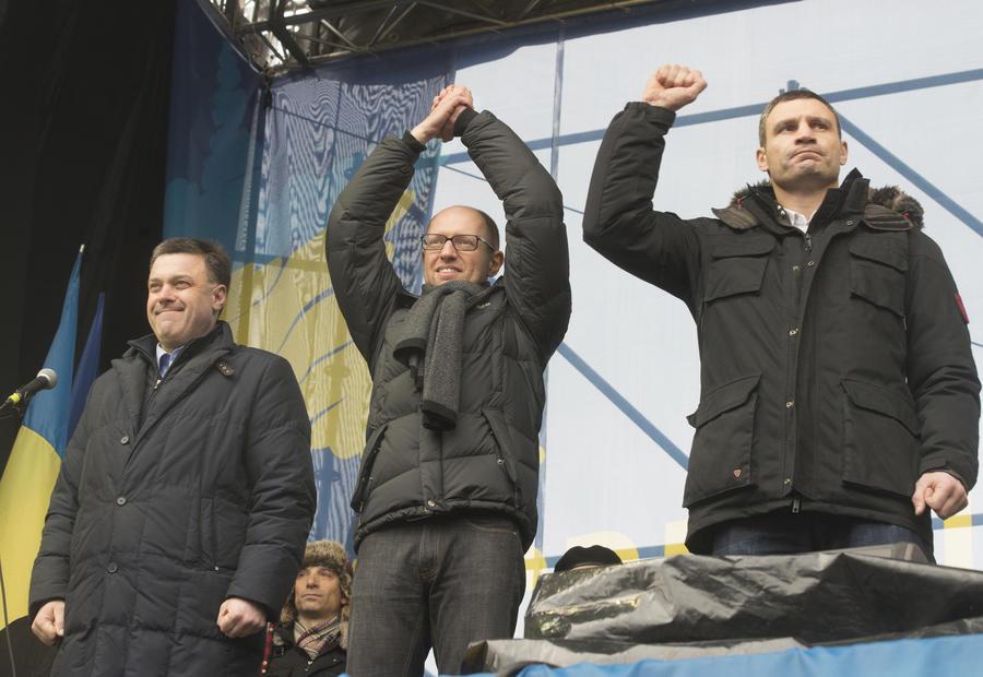 Лидеры украинской оппозиции не дали прямого ответа на предложение президента Януковича занять посты в правительстве
