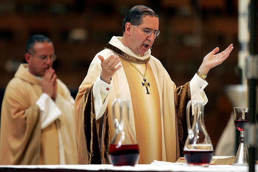 Кардинал Лос-Анджелеса отстранен от обязанностей за покрывательство педофилов