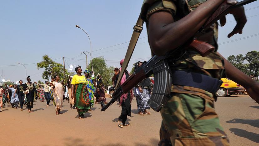 Жители  ЦАР спешно покидают столицу, окруженную войсками повстанцев