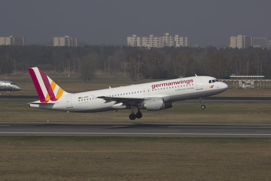 NYT: Один из пилотов Airbus A320 перед крушением покинул кабину самолёта и не смог вернуться в неё