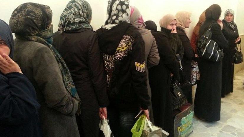 Глава коалиции сирийской оппозиции потребовал освободить из тюрем женщин
