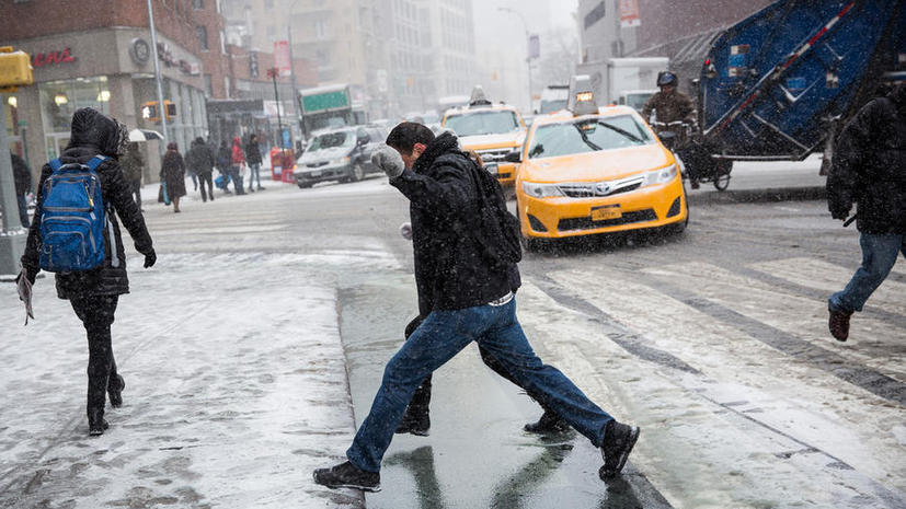 Более 2 тысяч авиарейсов отменены в США из-за снежной бури