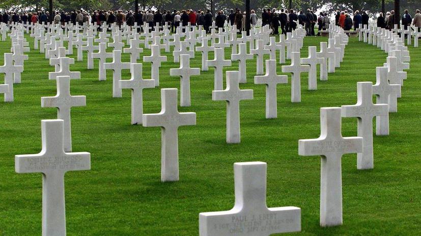 Военные кладбища по всему миру начали закрываться из-за бюджетного кризиса в США