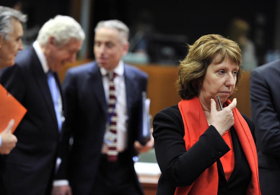 ЕС утвердил санкции в отношении 21 должностного лица России и Украины