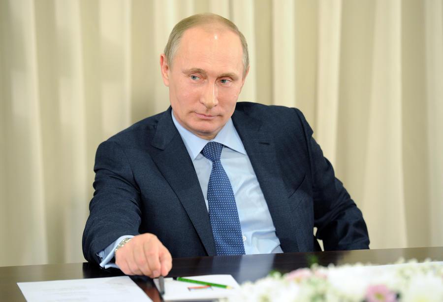 Владимир Путин подписал закон о порядке рассмотрения преступлений, совершённых за пределами России