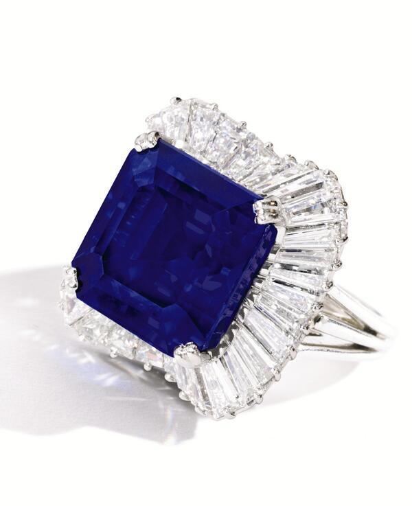 В Нью-Йорке продано кольцо с самым дорогим сапфиром в пересчёте на караты