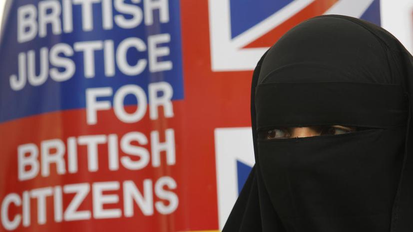 Британских мусульманок депортируют за незнание английского языка