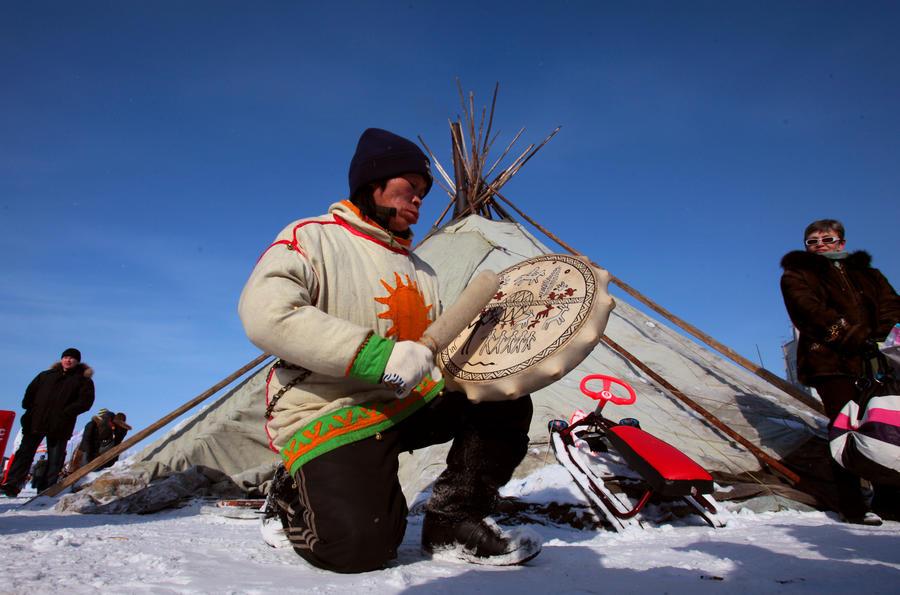 Сибирские шаманы призывают духов для победы сборной России на Олимпиаде в Сочи