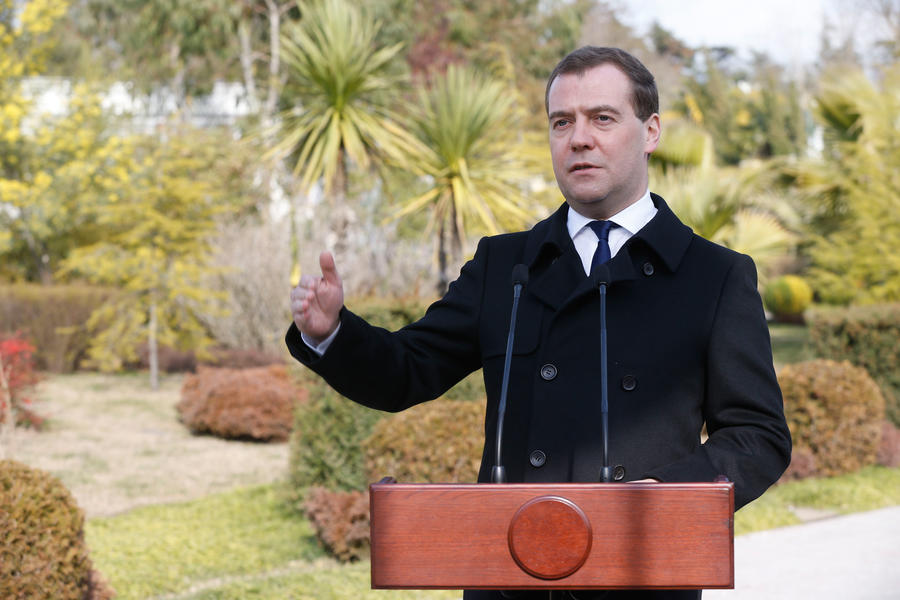 Медведев: На Украине должны понимать, что в европейском будущем надо много работать, а не скакать