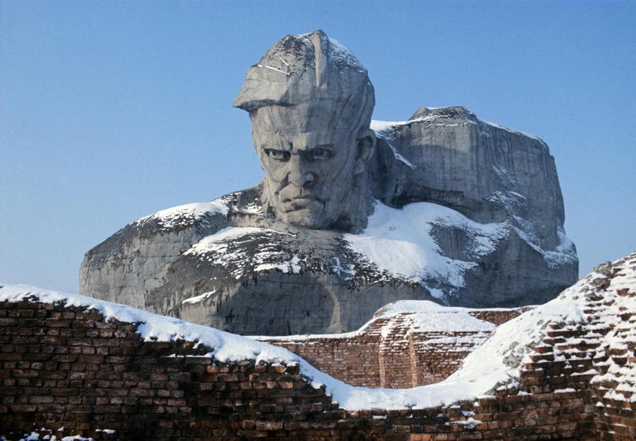 Телеканал CNN удалил рейтинг уродливых памятников, вызвавший международный скандал