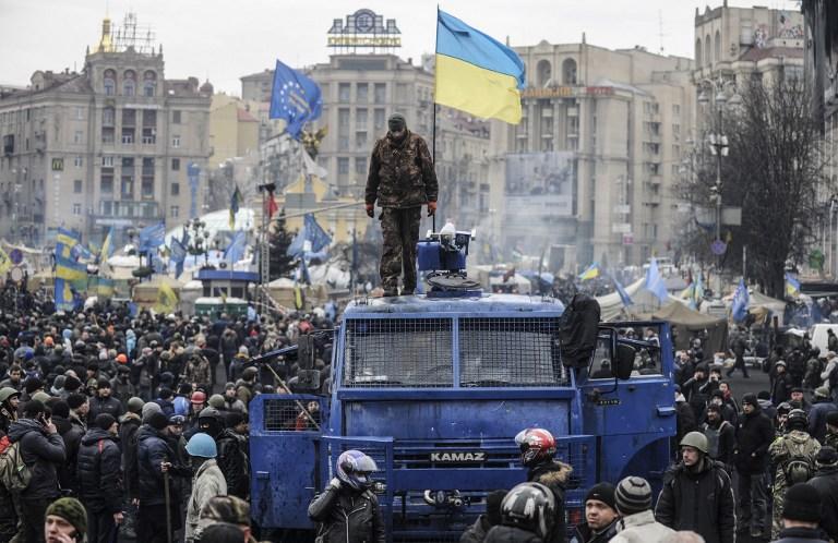 Лидер «автомайдана» заявил о переходе в оппозицию к новой власти на Украине