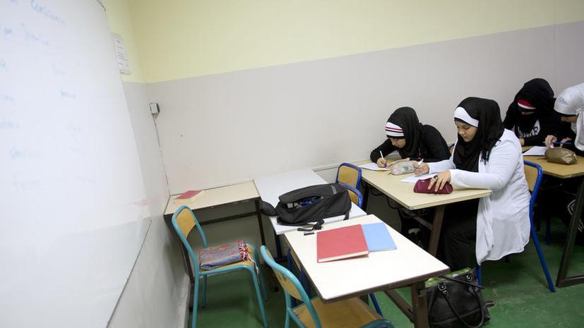 Попытки скрытой исламизации школ выявлены в разных регионах Великобритании