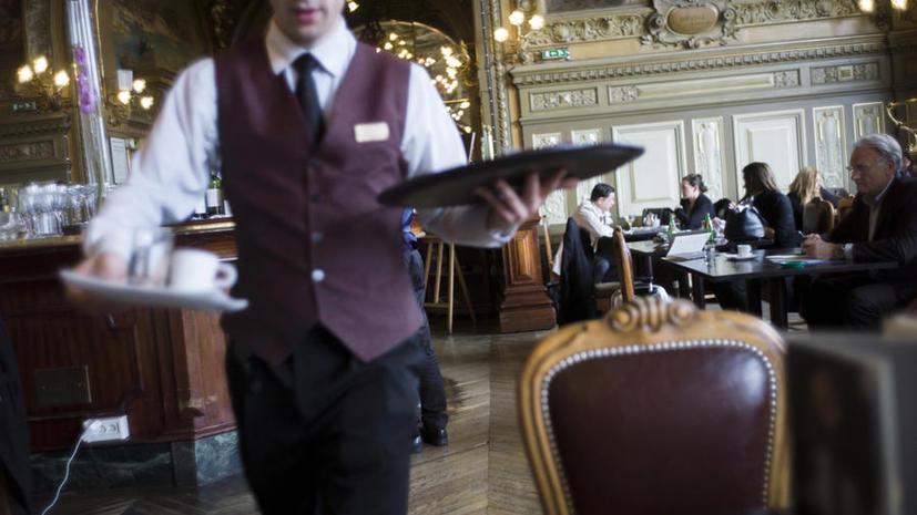 Новый туристический путеводитель научит парижан быть вежливыми