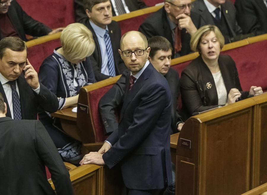 Яценюк отправился в Брюссель, чтобы подписать только политическую часть соглашения с ЕС