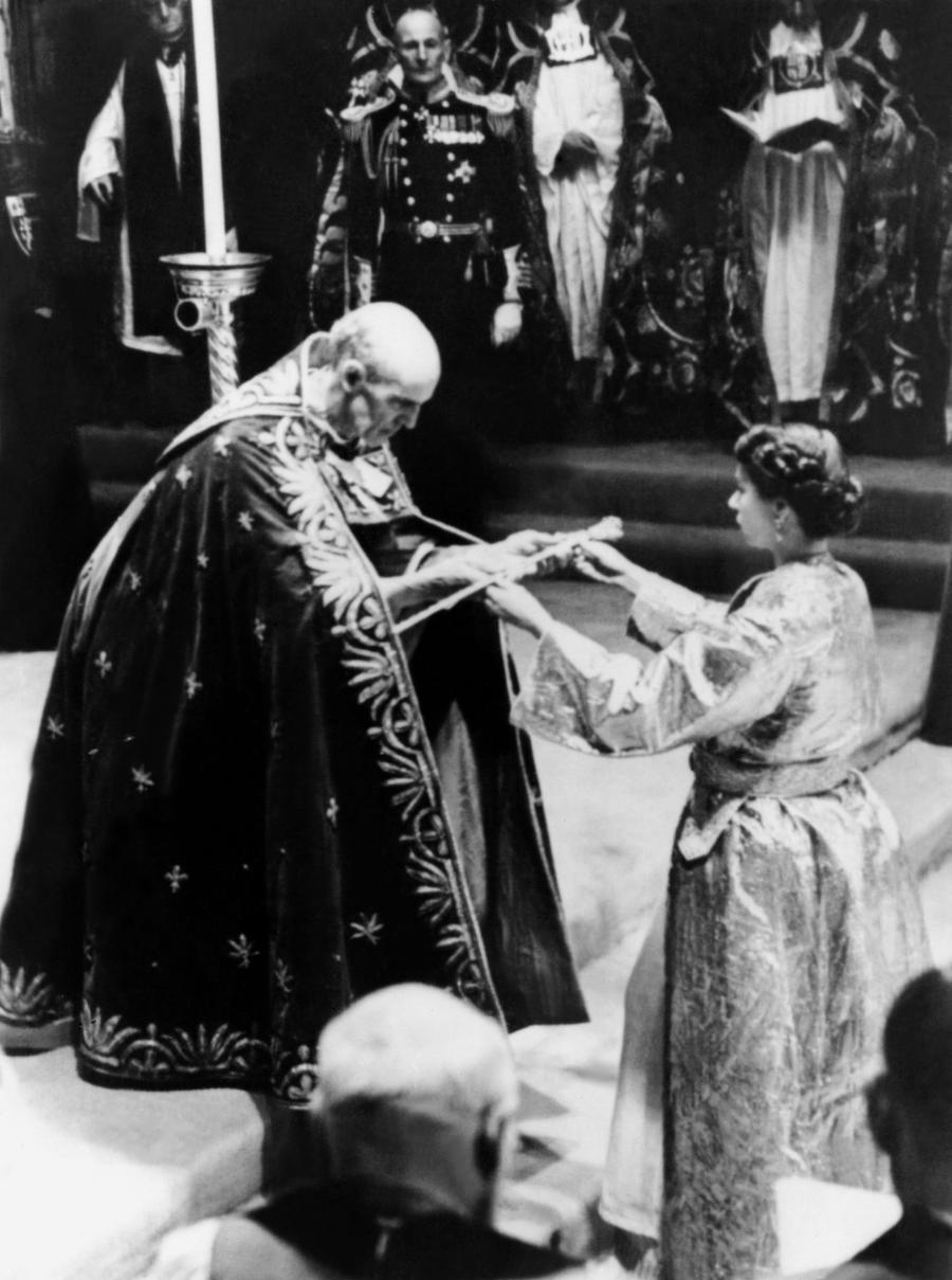 Реформа тысячелетней традиции: нового британского короля благословят представители всех конфессий