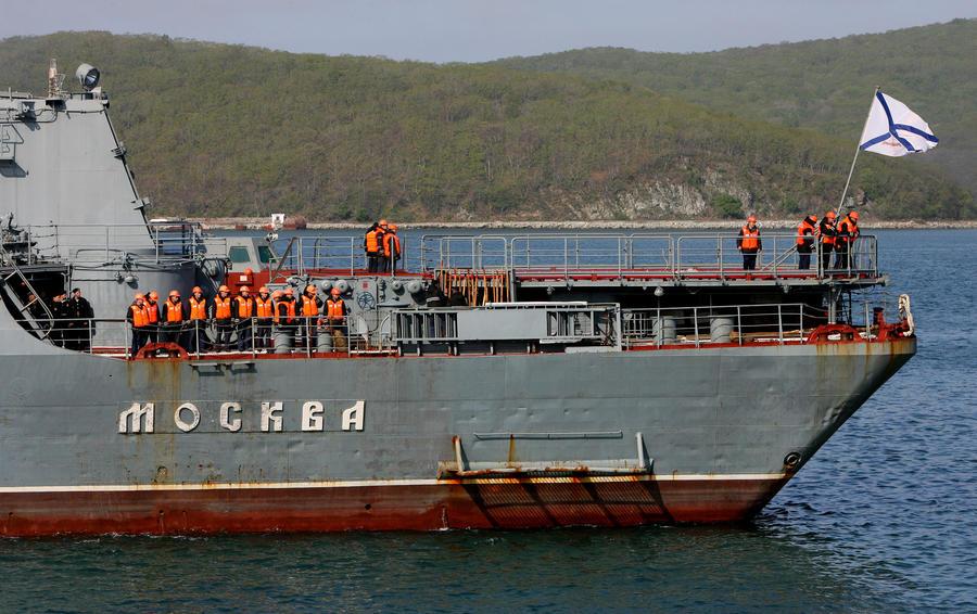 Крейсер «Москва» меняет план похода и направляется в Средиземноморье
