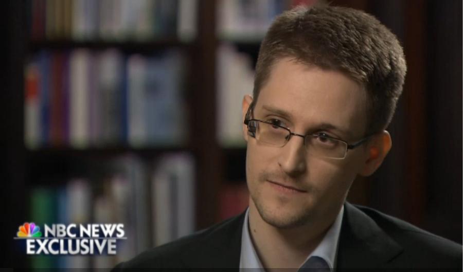 Эдвард Сноуден намерен просить Россию продлить его временное убежище