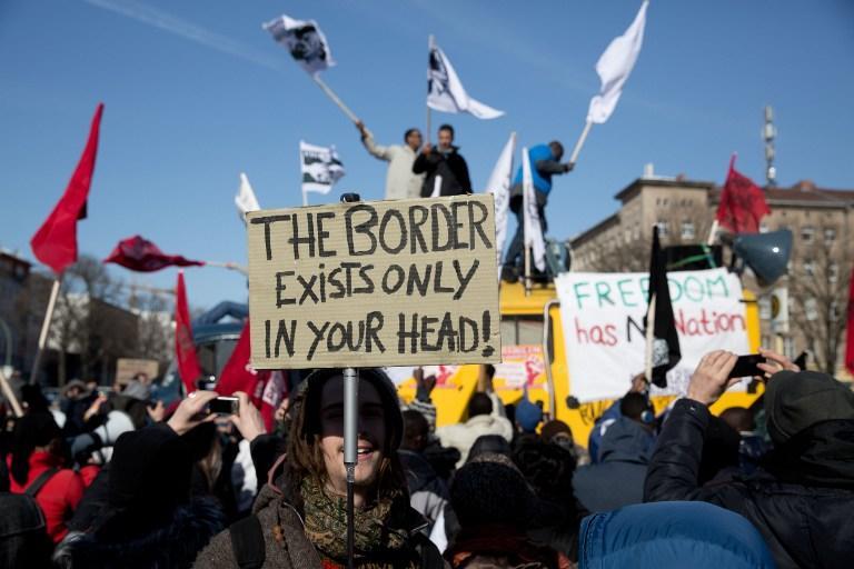 В Германии могут начать сбор отпечатков пальцев у мигрантов из Болгарии и Румынии
