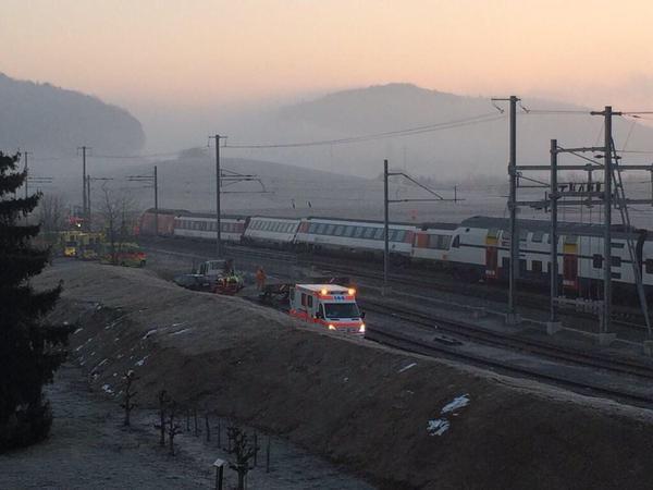 В результате столкновения поездов в Швейцарии пострадали 50 человек