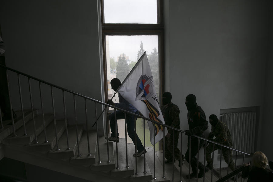 В Горловке сторонники федерализации Украины заняли горсовет и райотдел милиции