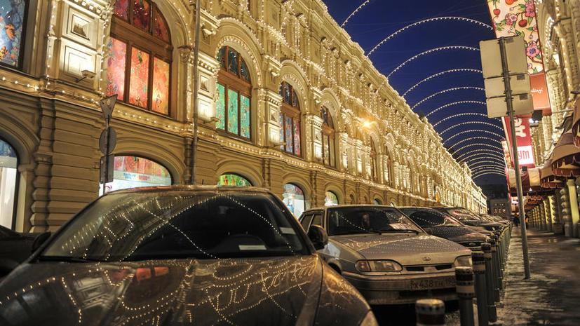 В качестве эксперимента ночную парковку в Москве могут сделать бесплатной