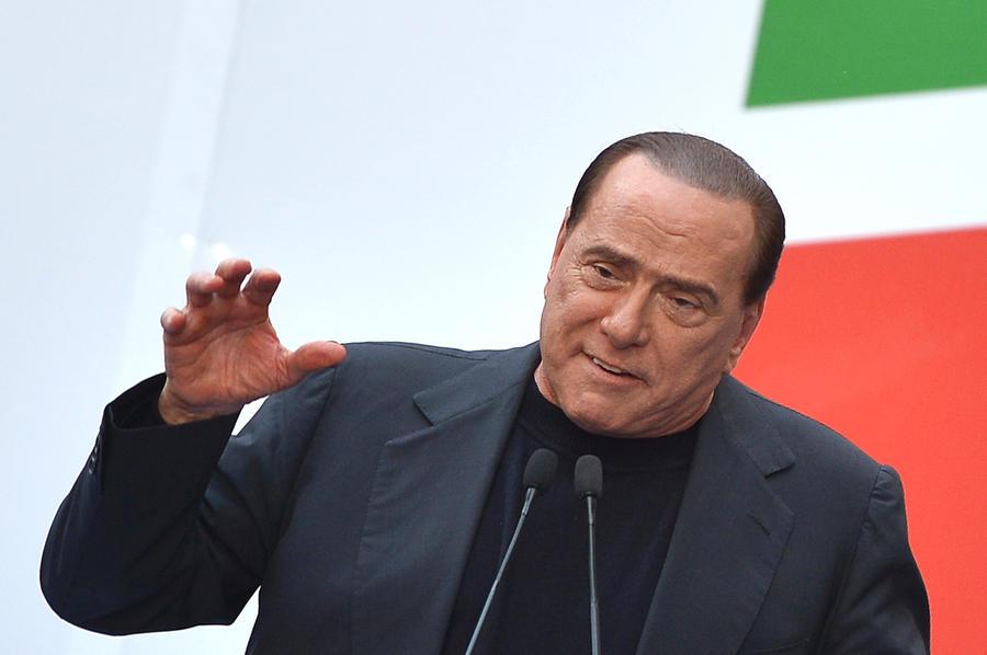 Сильвио Берлускони готов пойти на любые меры ради места в парламенте